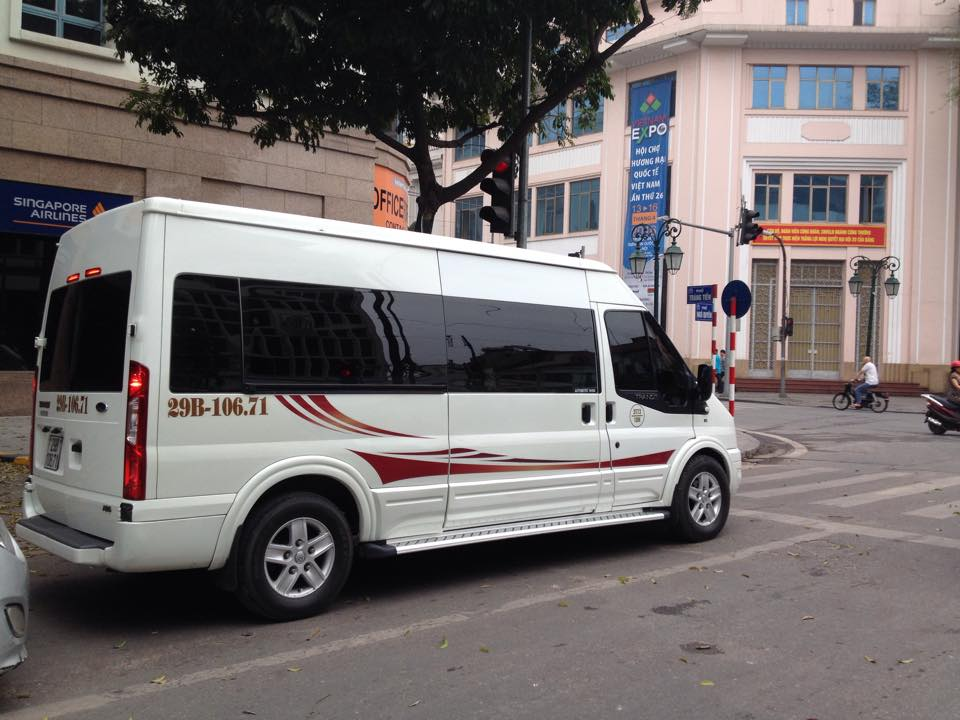 Ha long limousine service